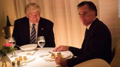 Donald Trump et Mitt Romney ont soupé dans...
