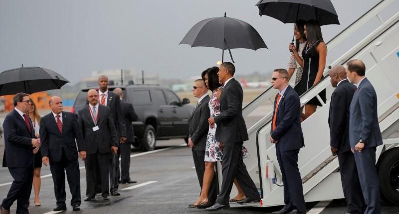 Accompagné de sa femme et de ses filles, Barack Obama est devenu cet après-midi...