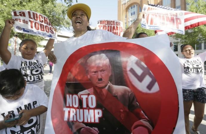 Des Latinos ont manifesté contre Donald Trump en...