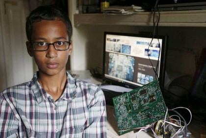 Ahmed Mohamed a été arrêté lundi après s'être...