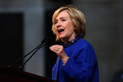 Hillary Clinton a prononcé un discours à l'Université...