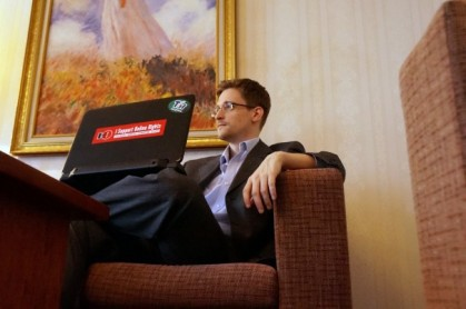 Edward Snowden est convaincu d'avoir rendu service aux...