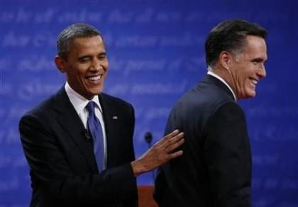 Barack Obama et Mitt Romney: hilares avant le...
