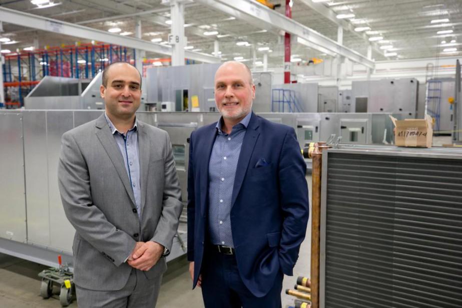 L'ingénieur Fooad Nejad (à gauche), de Kelvin Emtech,... (Photo David Boily, La Presse)