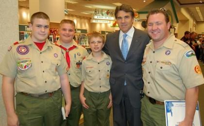 Rick Perry est un grand admirateur du scoutisme,...