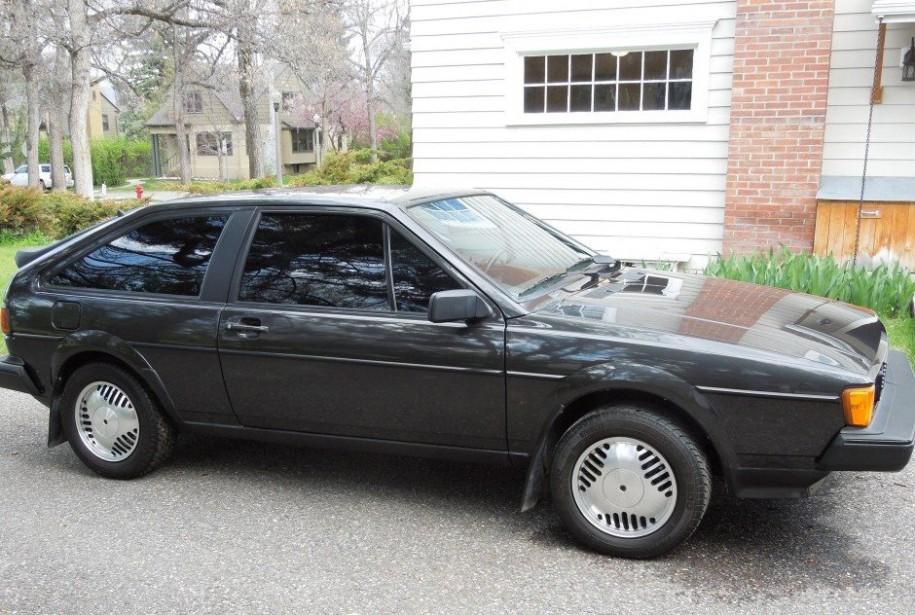 Sa première voiture -  Une Volkswagen Scirocco noire 1985.   7 mai 2018