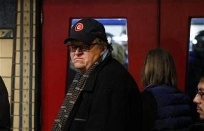 Michael Moore demande à l\'administration Obama d\'admettre l\'évidence....