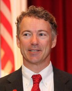 Élu en novembre 2010 au Sénat des États-Unis, Paul n'a pas nié son intérêt pour...
