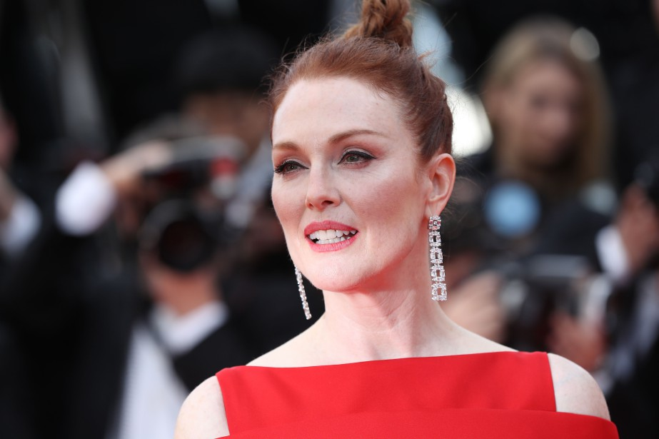 TOPSHOT - US actress Julianne Moore poses as she arrives on May 8, 2018 for the screening of the film