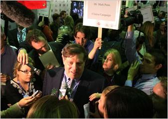 Mark Penn vient de démissionner comme stratège principal de Hillary Clinton. Il...