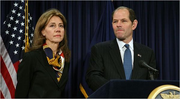 En compagnie de sa femme, Eliot Spitzer vient d'annoncer sa démission. Au cours...