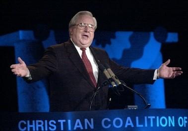 Figure de proue de la droite religieuse, le télévangéliste Jerry Falwell est...