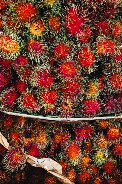 Le fruit du ramboutan rappelle celui du litchi. On les pèle d'ailleurs de la même façon. | 11 mai 2018