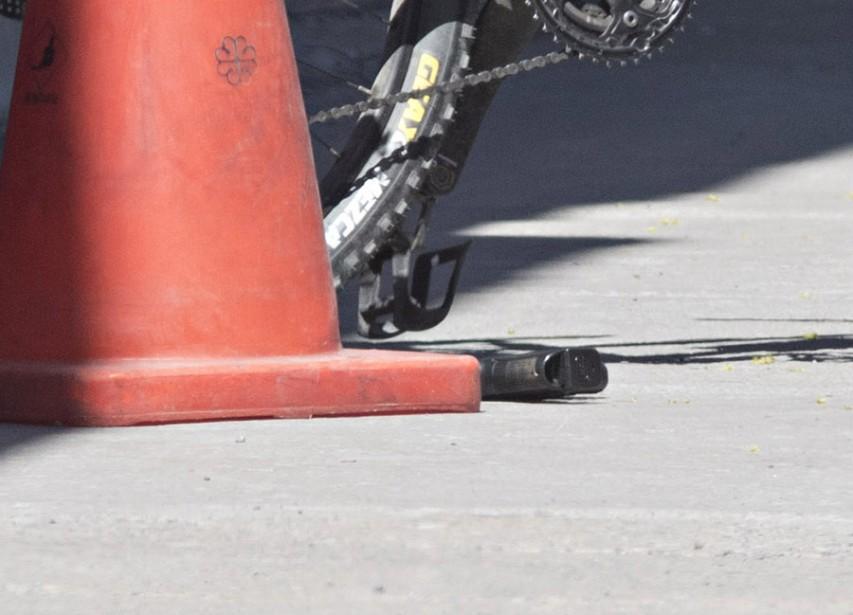 Une arme de poing a été abandonnée sur place. (Photo Patrick Sanfaçon, La Presse)