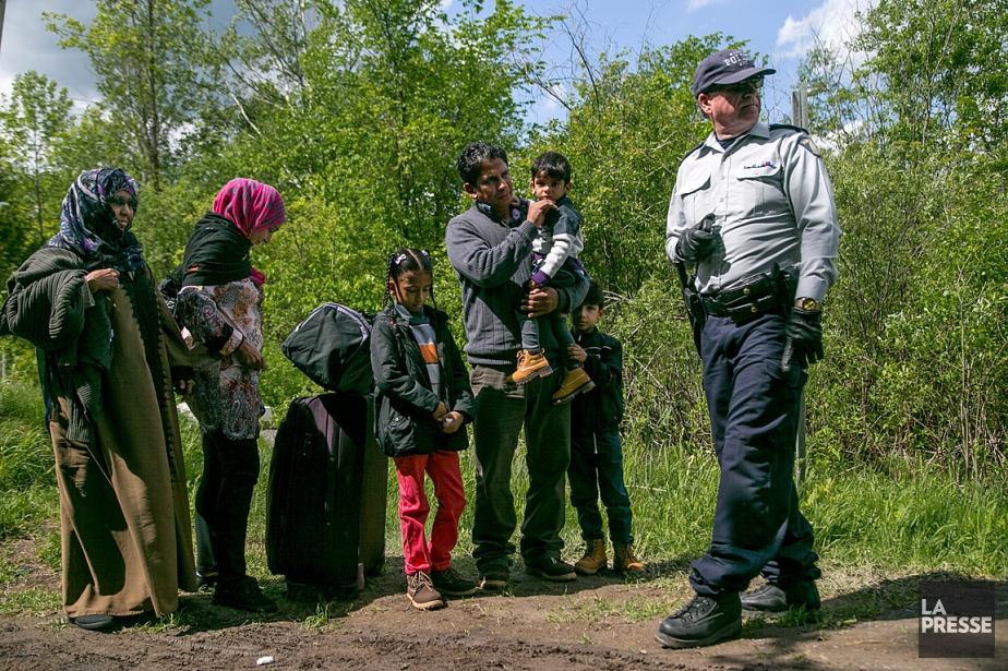 Les demandeurs d`asile qui entrent illégalement au Canada - seulement