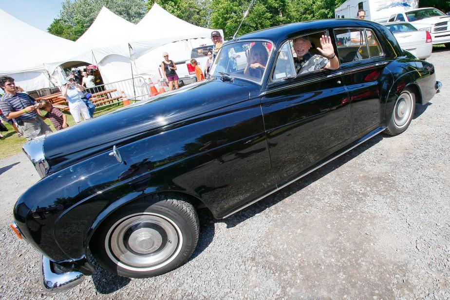 <strong>La voiture de ses rêves -</strong> La Bentley d'Yvon Deschamps. (Le Soleil Focus1 - Le Soleil)