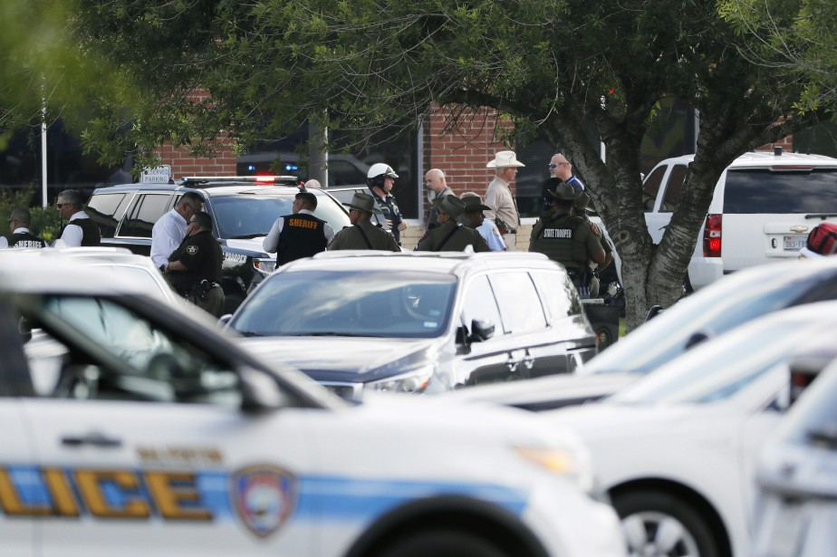 Les médias américains ont parmi les 10 victimes... (PHOTO Kevin M. Cox, AP/The Galveston County Daily News)