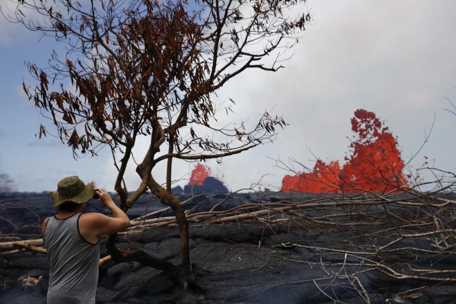 Plusieurs milliers de personnes ont été évacuées depuis... (PHOTO AP)