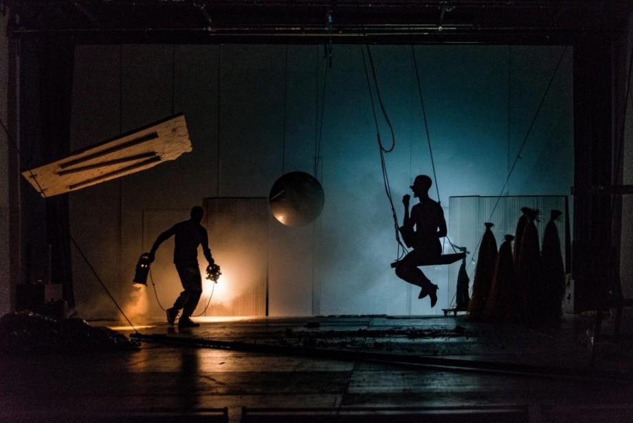 La pièce Titans, du dramaturge, performeur et chorégraphe... (PhotoJulian Mommert, fournie par le FTA)