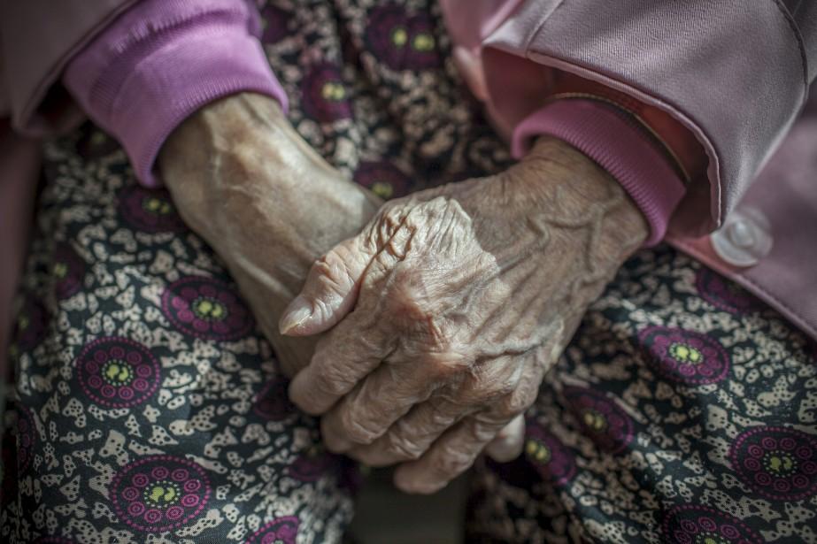 La ministre responsable des aînés, Francine Charbonneau, a... (La Presse NYT)