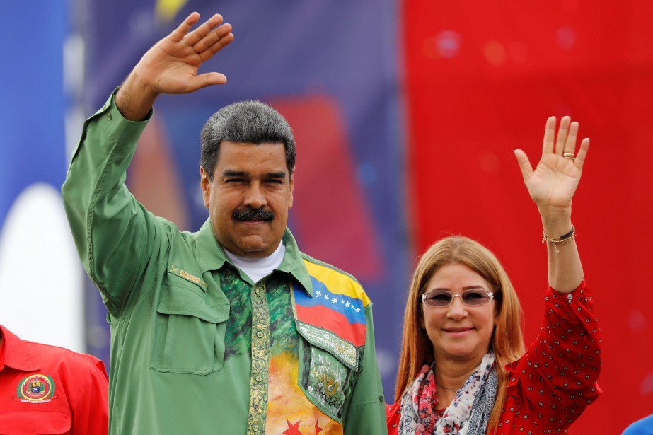 Nicolas Maduro et sa femme Cilia Flores.... (Photo Carlos Jasso, archives REUTERS)