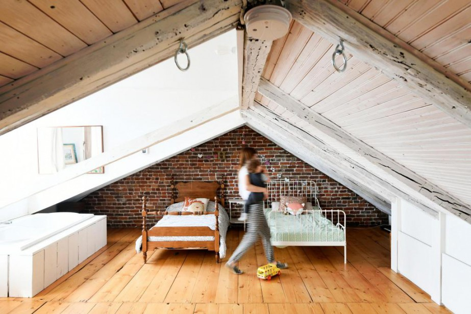 Elisabeth Simard a transformé le grenier de sa... (Photo Bernard Brault, La Presse)