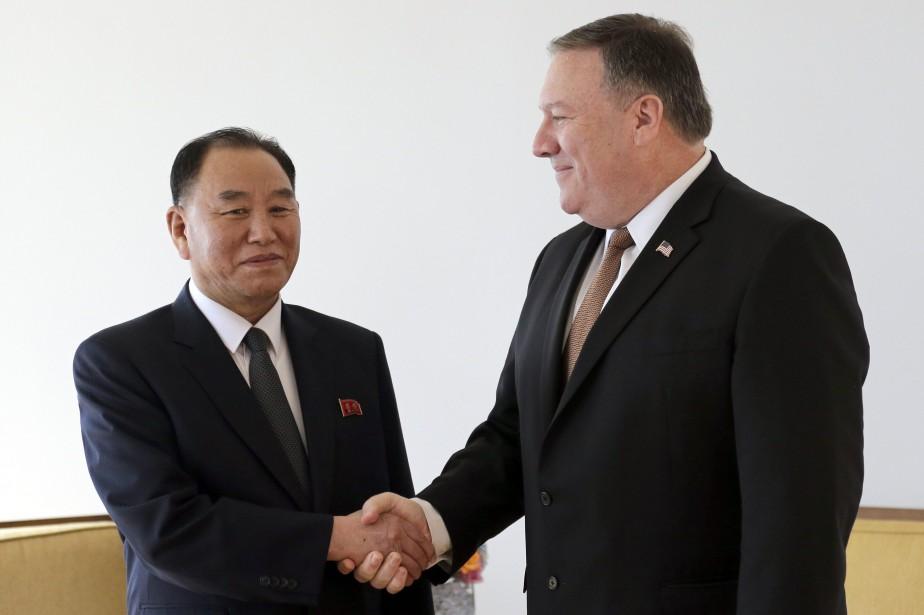 Mike Pompeo et Kim Yong Chol, négociateurs en... (PHOTO AP)