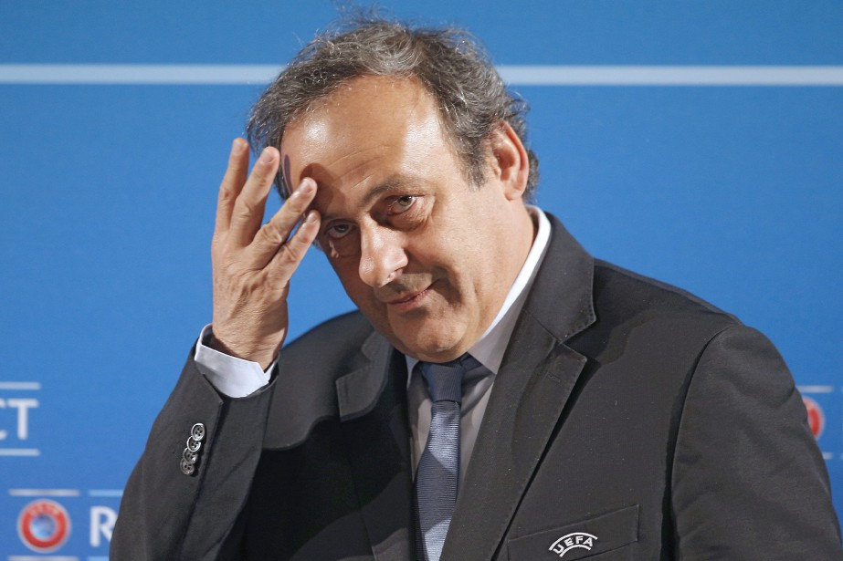 Michel Platini espère désormais que la FIFA va... (Photo Lionel Cironneau, archives Associated Press)