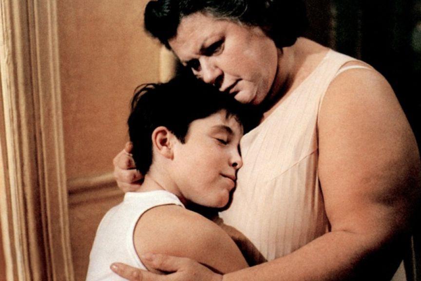 Maxime Collin et Ginette Reno dans Léolo... (Photo fournie par Alliance VivaFilm)