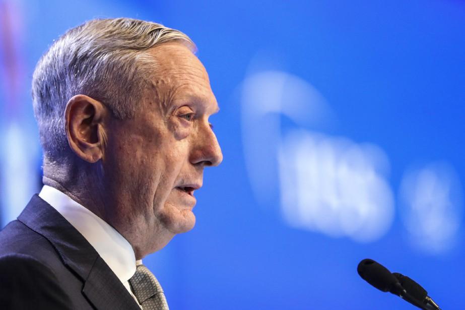 Le secrétaire américain à la défense, Jim Mattis... (PHOTO Yong Teck Lim, AP)