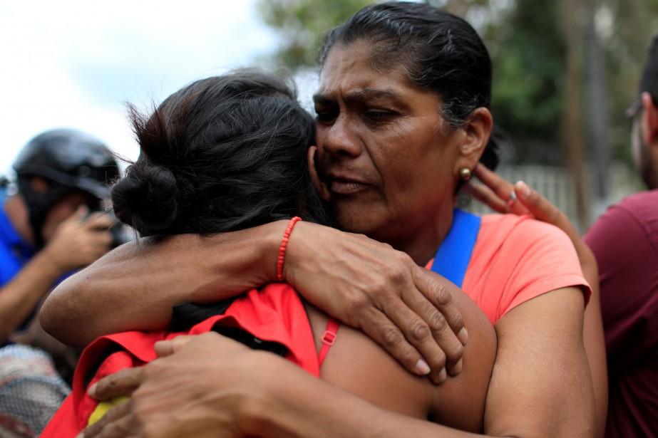 Ces libérations interviennent alors que M. Maduro est... (PHOTO Marco Bello, REUTERS)