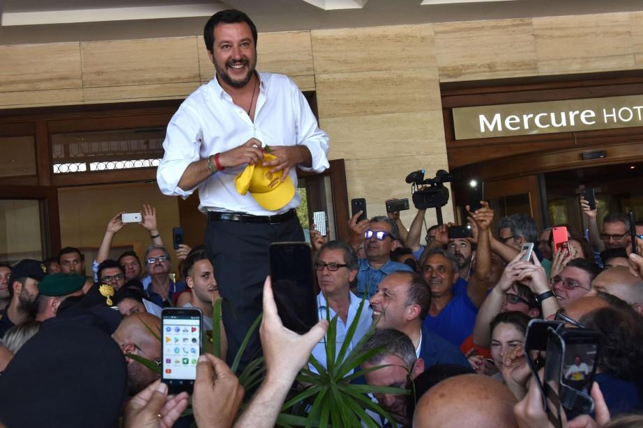 Matteo Salvini a livré un discours devant des... (PHOTO AP)