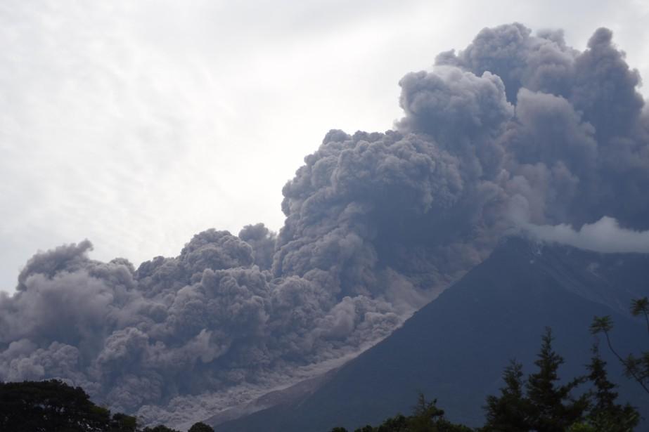 L'éruption du Volcan de Fuego (le Volcan de... (Photo Agence France-Presse)