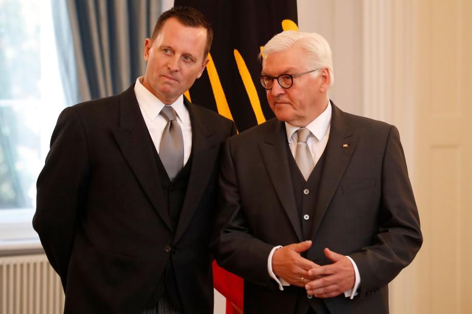 Richard Grenell(à gauche) discute avec le président allemand... (PHOTO AFP)
