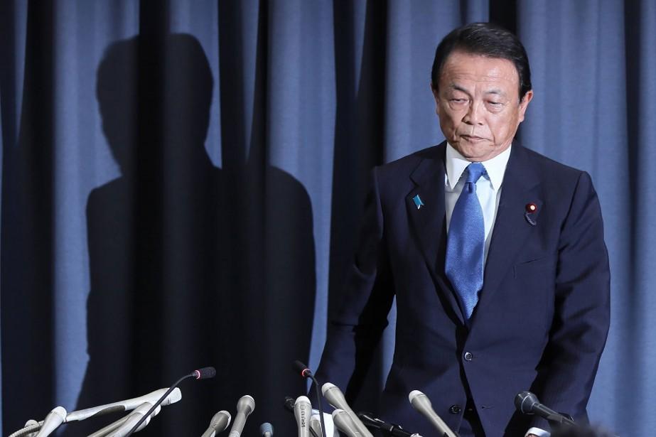 Japon: le ministre des Finances renonce à un an de salaire