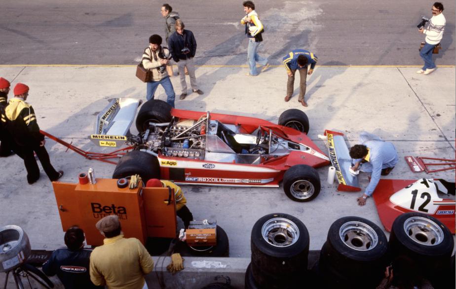 Ferrari 312 T3 -  CHÂSSIS - Monocoque en tubes d'acier et panneaux d'aluminium. Très légère, la structure de la Ferrari 312 T3 manquait de rigidité, particulièrement à l'avant, ce qui mettait le pilote en danger lorsqu'il perdait la maîtrise de sa voiture. | 5 juin 2018