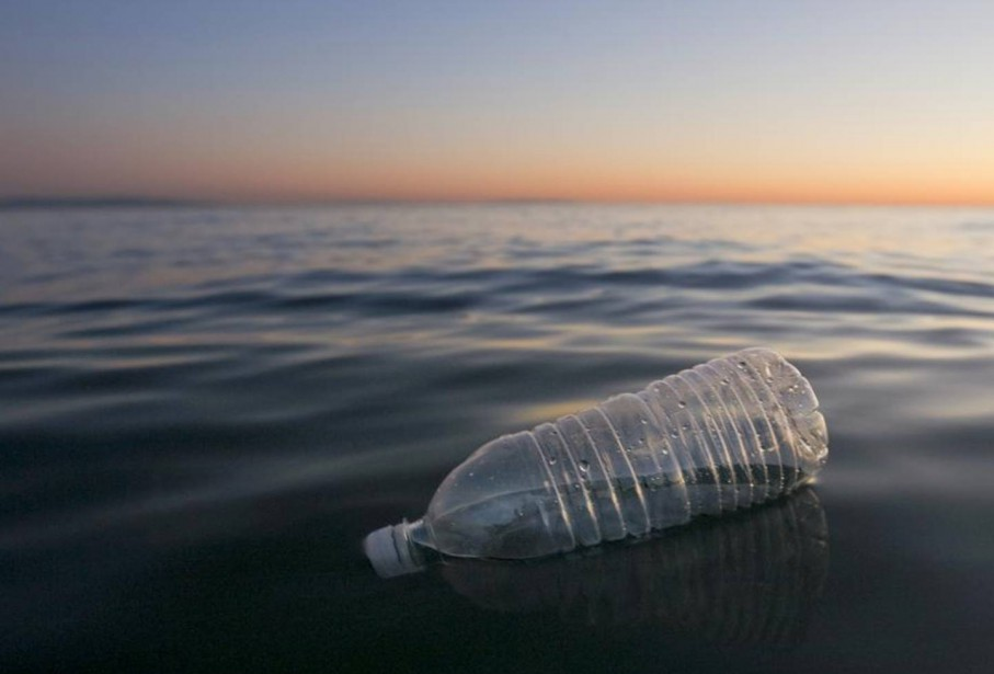 La Méditerranée menace de se transformer en «mer de plastique»,... (ARCHIVES AFP)
