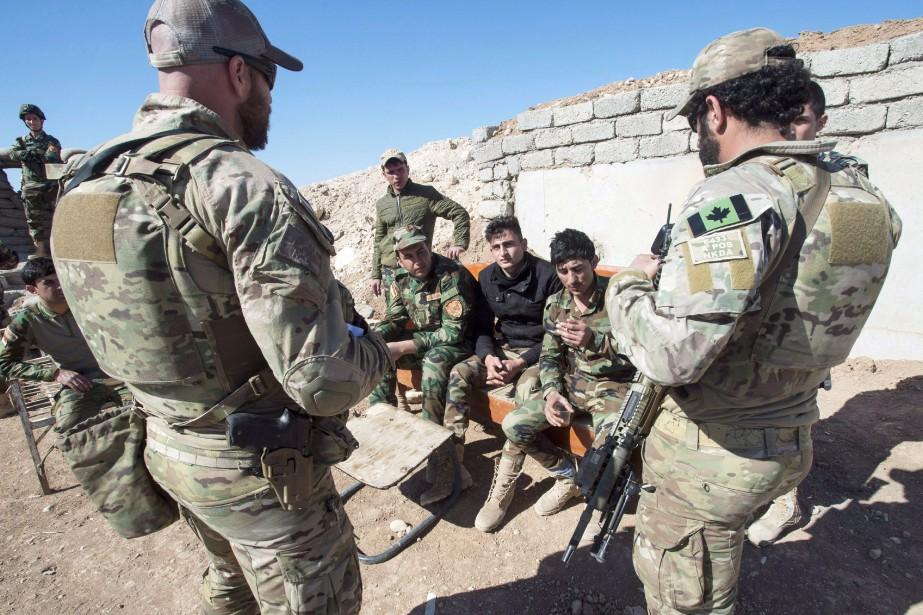 Des membres des forces spéciales de l'Armée canadienne... (PHOTO Ryan Remiorz, ARCHIVES LA PRESSE CANADIENNE)