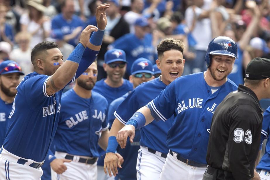 La dernière série de trois victoires des Blue... (PHOTO Fred Thornhill, LA PRESSE CANADIENNE)