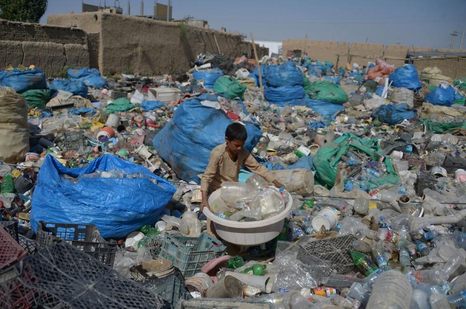 En recyclant le plastique au maximum, les pays... (ARCHIVES AFP)
