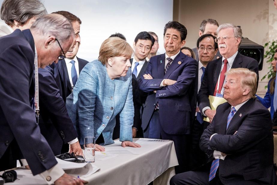 Angela Merkel s'adresse à Donald Trump au G7.... (REUTERS)
