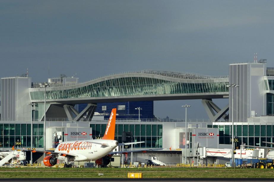 L'aéroport londonien de Gatwick a annoncé mercredi un... (Photo archives AFP)