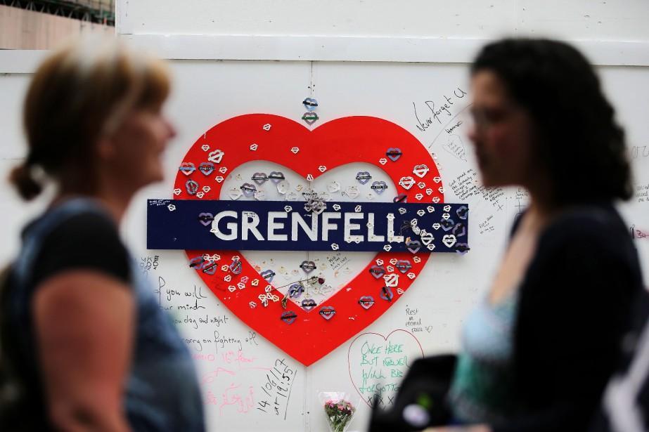 Les commémorations de l'incendie ont commencé mercredi par... (PHOTO AFP)