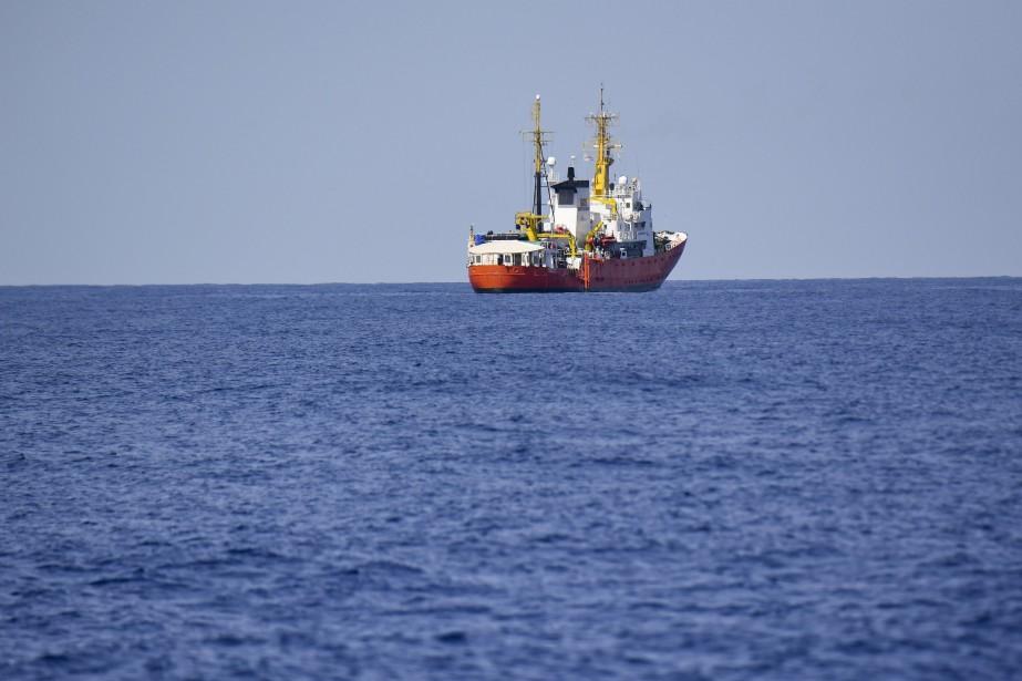L'Aquariusnaviguera le long de la côte est de... (AP)