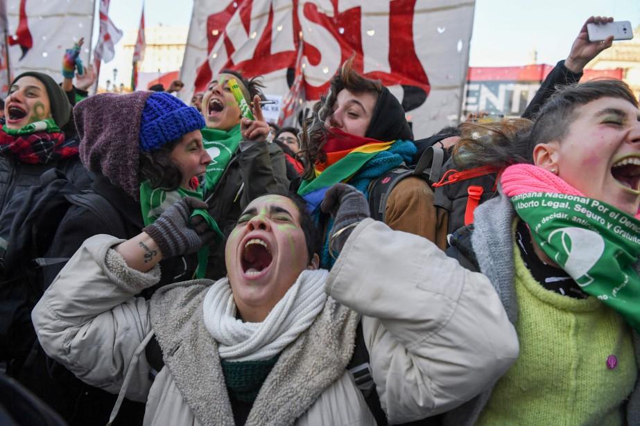À l'annonce des résultats du vote des députés,... (Photo Eitan Abramovich, Agence France-Presse)