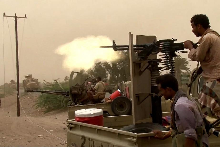 Les forces progouvernementales au Yémendonnent l'assaut à l'aéroport... (AFP)