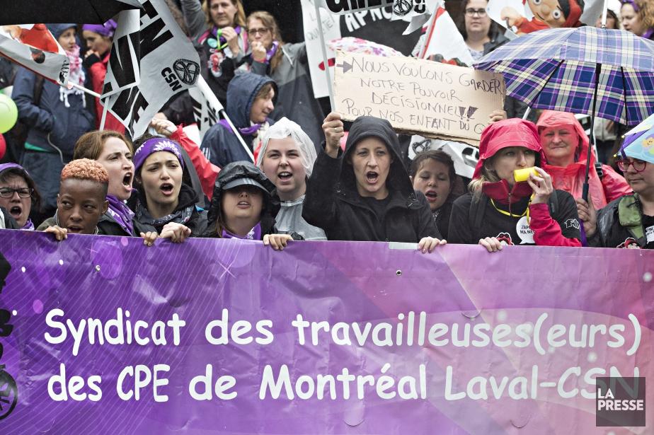 Les travailleuses de 57 centres de la petite... (Photo Patrick Sanfaçon, archives La Presse)