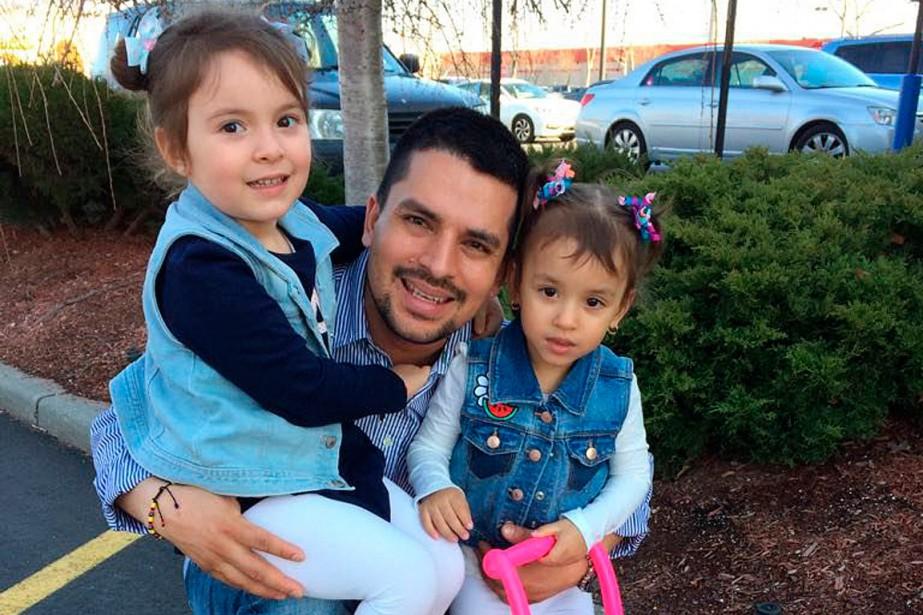 Le cas du livreur Pablo Villavicencio, arrêté le... (PHOTO FOURNIE PAR LA FAMILLE VIA ASSOCIATED PRESS)