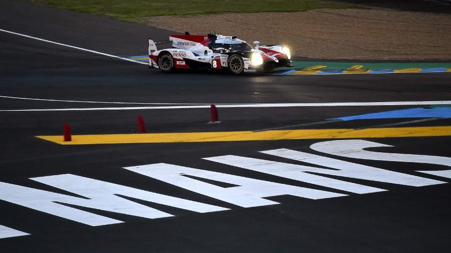 Le pilote espagnol Fernando Alonso au volant de la Toyota TS050 HybrideN o 8 durant les essais libres du 13 juin. | 15 juin 2018
