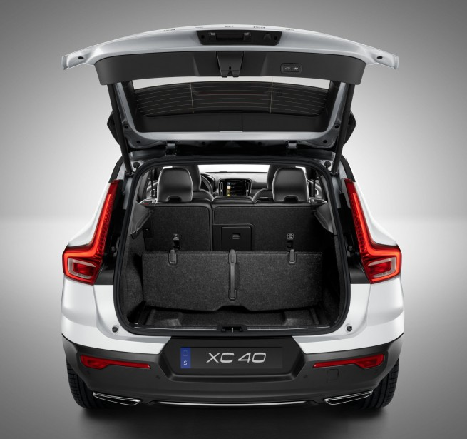banc d 39 essai volvo xc40. Black Bedroom Furniture Sets. Home Design Ideas